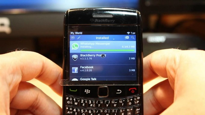 BlackBerry BBM WhatsApp